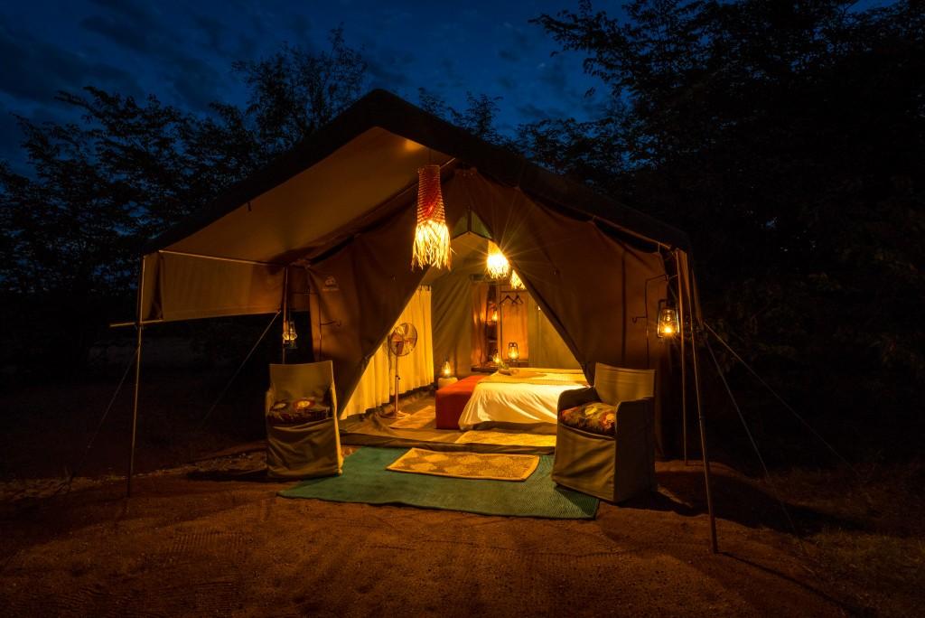 tent_-_exterior-31